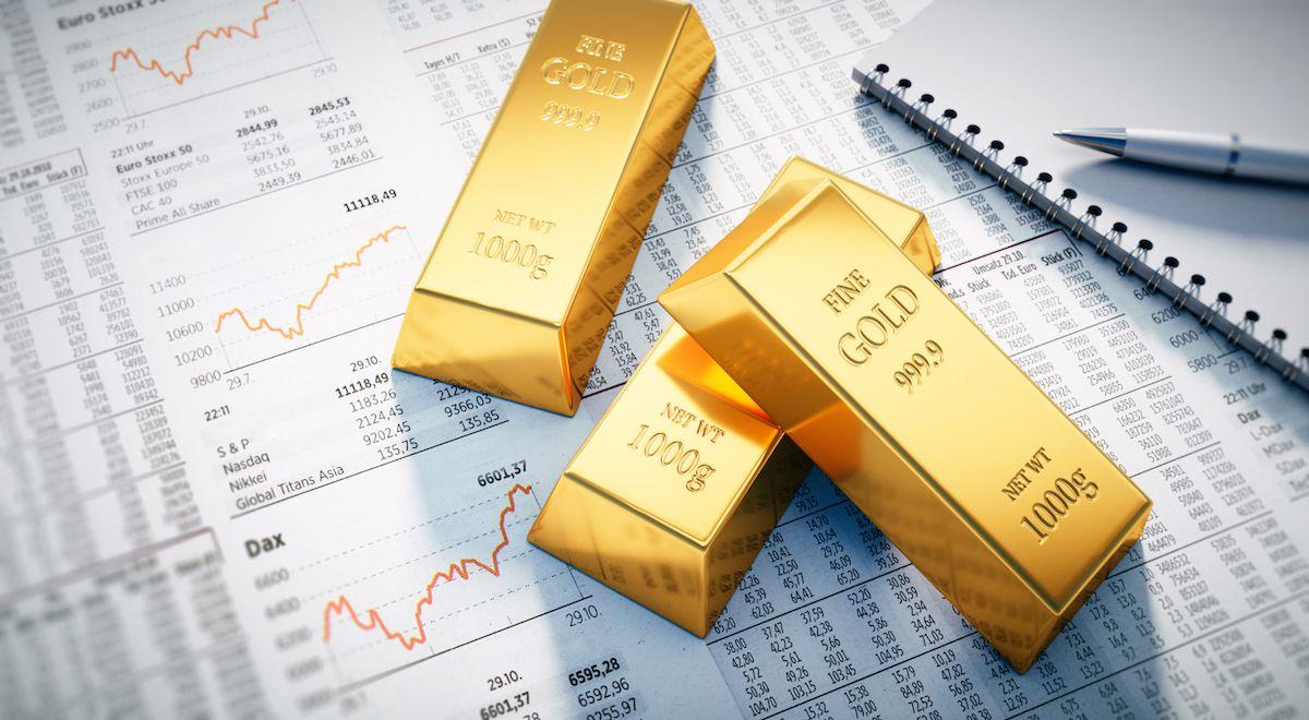 Farmland vs. Gold - A Comparative Analysis